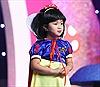 Cô bé 5 tuổi gây sốt cộng đồng mạng vì những màn hóa vai xuất sắc