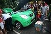 Cây đổ đè chết lái xe taxi ở Hà Nội