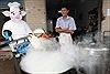 Robot làm đầu bếp nấu mỳ