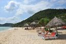 Phát triển du lịch biển gắn với giải quyết ô nhiễm