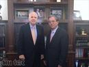 Đại sứ Việt Nam tại Hoa Kỳ gặp Thượng nghị sỹ John McCain