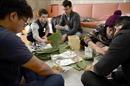 Kỳ công làm bánh chưng ngày Tết ở Nhật Bản
