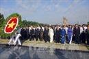 Lãnh đạo TP Hồ Chí Minh viếng nghĩa trang liệt sỹ, dâng hương Chủ tịch Hồ Chí Minh