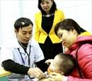 Trẻ nôn trớ sau uống vắcxin tiêu chảy có phải bất thường?