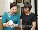 Bí ẩn chiếc khăn lụa tặng phu nhân Thủ tướng Lý Hiển Long