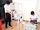 Hai học sinh sáng chế máy làm bánh xoài nhanh gấp 4 lần thủ công