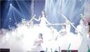 The Voice 2017: Hiền Mai hoá thân dịu dàng trong áo dài trắng tinh khiết