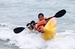 Giải đua thuyền Kayak 'Vượt sóng Mỹ Khê' lần thứ I