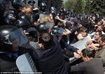 Hàng trăm người bao vây trụ sở cảnh sát Odessa