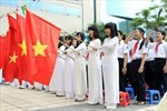 Học sinh phải hát quốc ca tại lễ chào cờ