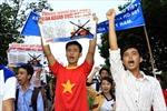 Giới văn nghệ sĩ yêu cầu đưa ngay giàn khoan ra khỏi vùng biển Việt Nam