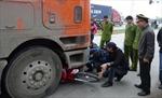2 cô gái bị xe container cán chết tại chỗ