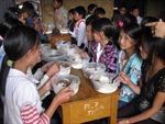 Khai trừ Đảng Phó Hiệu trưởng bớt xén tiền ăn của học sinh