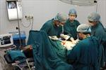 Cắt khối u 11kg trong ổ bụng bệnh nhân