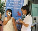 Hơn 250 trẻ em khó khăn được khám sàng lọc các bệnh về mắt