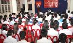 Sinh viên Việt Nam tại Lào hướng về biển đảo thân yêu
