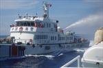 Mục đích 2 tàu Trung Quốc tự phun nước vào nhau?