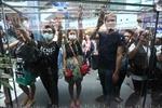 """Biểu tình """"ba ngón tay"""" ở Bangkok"""