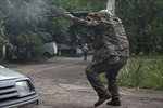 Ukraine: Slavyansk bị pháo kích bằng tên lửa Grad