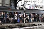 Taxi và đường sắt Pháp ngừng trệ do bãi công