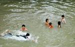 Đi bắt hàu, 4 học sinh chết đuối