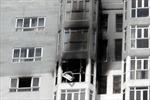 Cháy chung cư, hàng trăm người bỏ chạy