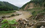 Sạt lở Quốc lộ 15C, cô lập huyện Mường Lát-Thanh Hóa