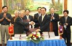 Trao tặng sách cho Văn phòng Quốc hội Lào