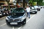 Hà Nội thí điểm trông ô tô dưới lòng đường 2 tuyến phố trung tâm
