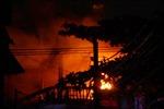 Cháy lớn hiệu đồ cũ trong khu dân cư TP.HCM