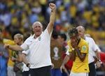 Các ngôi sao Brazil bị chỉ trích vì... khóc quá nhiều