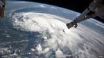 Mỹ hoãn hàng loạt hoạt động kỷ niệm Quốc khánh vì bão lớn