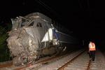 Tàu hỏa đâm tàu siêu tốc TGV Pháp