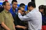 Tặng kính điện tử cho thương binh, học sinh nghèo khiếm thị