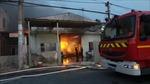 Hỏa hoạn thiêu rụi kho chứa vải ở Long An