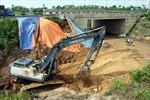 Khởi tố điều tra vụ vỡ đường ống nước sông Đà