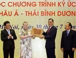 Đón nhận Bằng Di sản tư liệu Châu bản triều Nguyễn