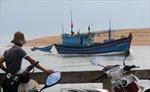 Kịp thời cứu 14 ngư dân trên tàu cá bốc cháy