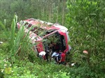 Ô tô đâm vách núi, 3 người tử vong