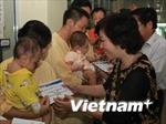 Công đoàn TTXVN trao quà cho ngư dân Đà Nẵng