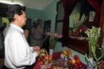 Thủ tướng Nguyễn Tấn Dũng tưởng niệm Chủ tịch Hồ Chí Minh