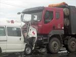 Xe cứu thương đâm ô tô tải, bệnh nhi thiệt mạng