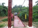Đắk Lắk: Có cầu dân vẫn phải lội qua suối