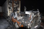 Container bốc cháy, 2 người thoát chết