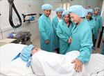 Lãnh đạo tặng quà bệnh nhi tại Bệnh viện Việt Đức