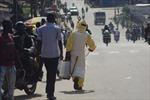 'Đóng cửa hoàn toàn' đất nước để kiềm chế dịch Ebola
