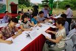 Bàn giao đất dịch vụ cho người dân Xuân Quan