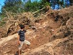 Lâm Đồng: Lở đất đe dọa hàng chục hộ dân ven sông