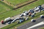 150 xe đâm liên hoàn ở Hà Lan