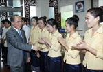 Chủ tịch Quốc hội gặp doanh nghiệp Việt tại Lào